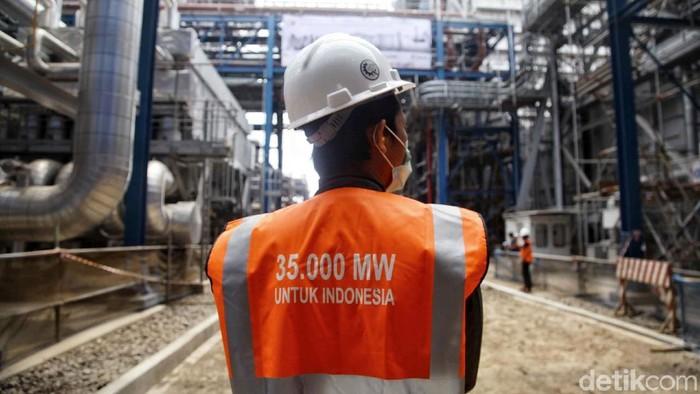 PT PLN (Persero) secara resmi mulai mengoperasikan Pembangkit Listrik Tenaga Gas Uap Jawa 2. Proyek itu adalah bagian dari program kelistrikan 35 ribu MW.