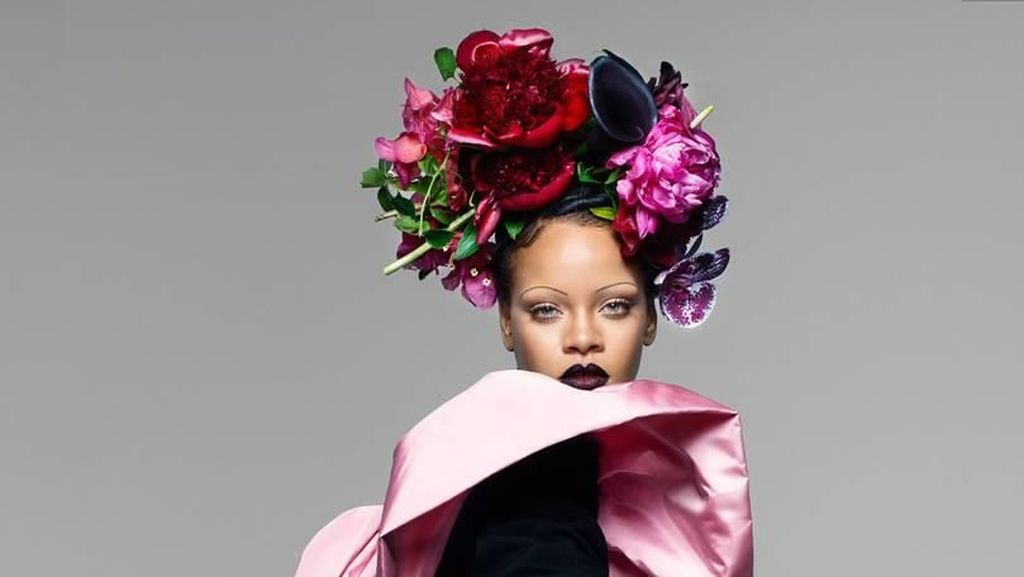Adu Gaya Beyonce vs. Rihanna di Cover Vogue, Siapa Paling Nyentrik?