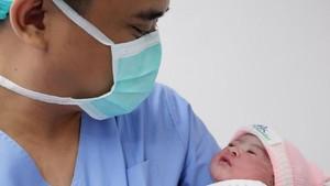 Doa dan Harapan untuk Cucu Perempuan Jokowi