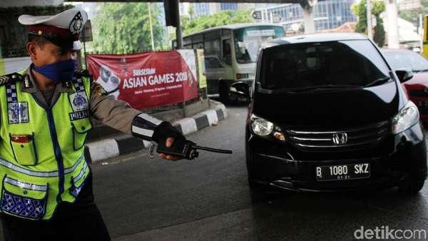 65 Pengendara Pelanggar Ganjil-Genap Ditilang di Jaktim