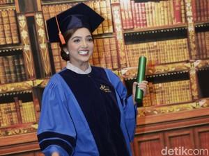 Lulus Cepat S2, Ashanty Dapat Ucapan Selamat dari Rektor
