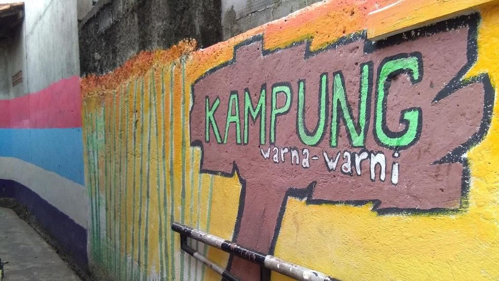Cantik! Gang di Jatipadang Dicat Warna-warni Sambut Agustusan