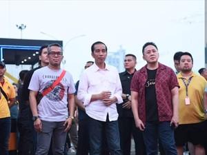 Sepeda dan 3 Produk Fashion Made In Bandung Ini Dipakai Jokowi