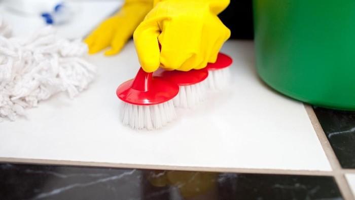 Bersih bersih rumah
