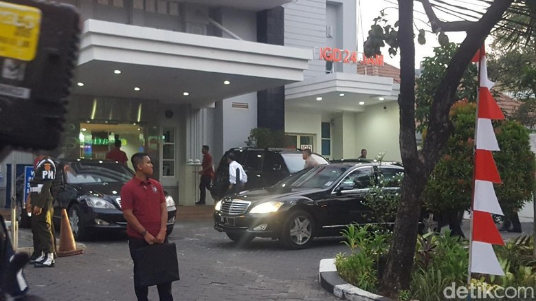 Usai Tinjau Trotoar Sudirman, Jokowi Kembali Jenguk Kahiyang