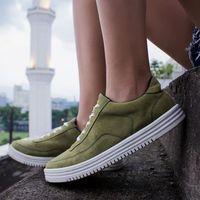 Berapa Harga Sneakers Buatan Lokal yang Dipakai Jokowi?