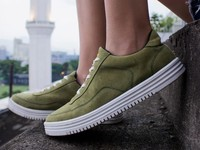 Fakta di Balik Sneakers Lokal yang Dipakai Jokowi