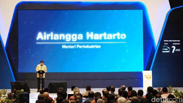 Airlangga di GIIAS: Masyarakat Industri Dukung Jokowi 2 Periode