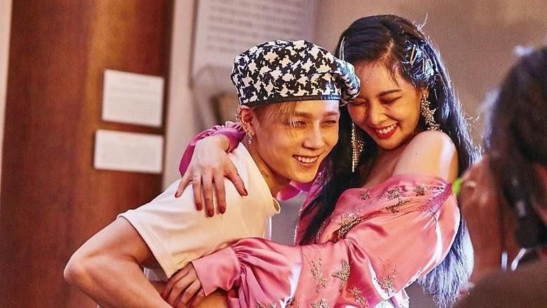 Ngaku 2 Tahun Pacari EDawn Pentagon, HyunA Minta Maaf