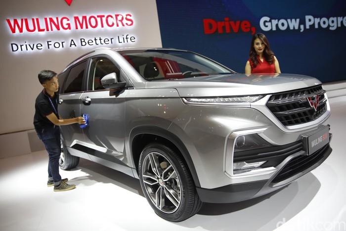 Tak hanya bermain di pasar MPV, produsen mobil asal China, Wuling Motors juga memperkenalkan mobil SUV di GIIAS 2018. Calon lawan kuat Honda CR-V nih.