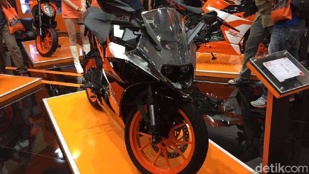 Back in Black! KTM Rilis Motor Sport RC 200, Pertama di Asia