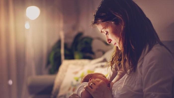 Ibu ini tak lagi bisa menyusui karena kanker payudara. Foto: thinkstock