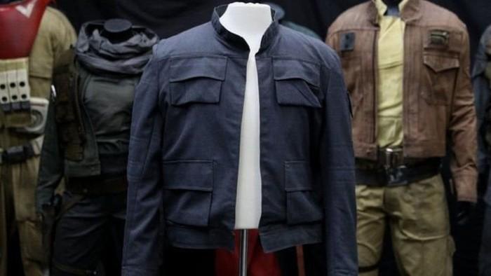 Jaket ini adalah salah satu barang Star Wars yang akan dijual. (PA)