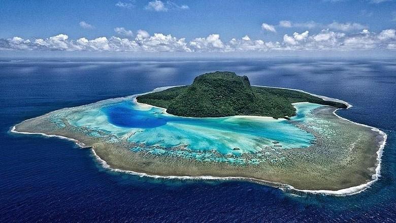 Pulau berbentuk topi yang jadi resort (Vatuvara Private Islands Fiji/Instagram)