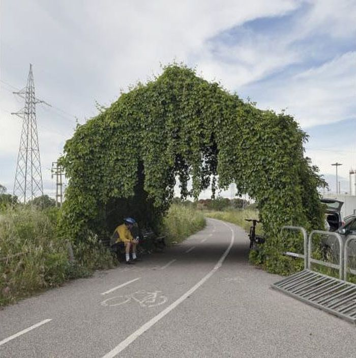 Ini adalah pintu masuk jalur sepeda sepanjang 33 kilometer yang melintasi Roma. Istimewa/CNN.