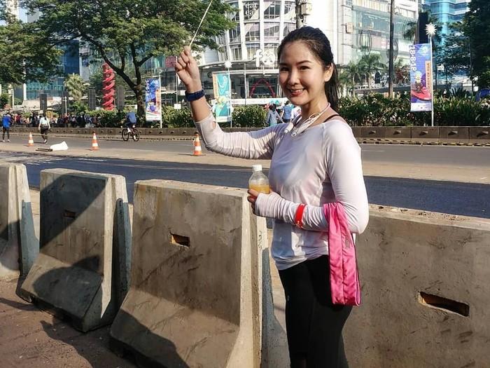 Tidak hanya sekedar olahraga lari, Liana Tasno sempat mengikuti lari maraton berjarak 42 kilometer di Bali dan Phuket, Thailand pada tahun 2014. (Foto: Instagram/lianatasno)