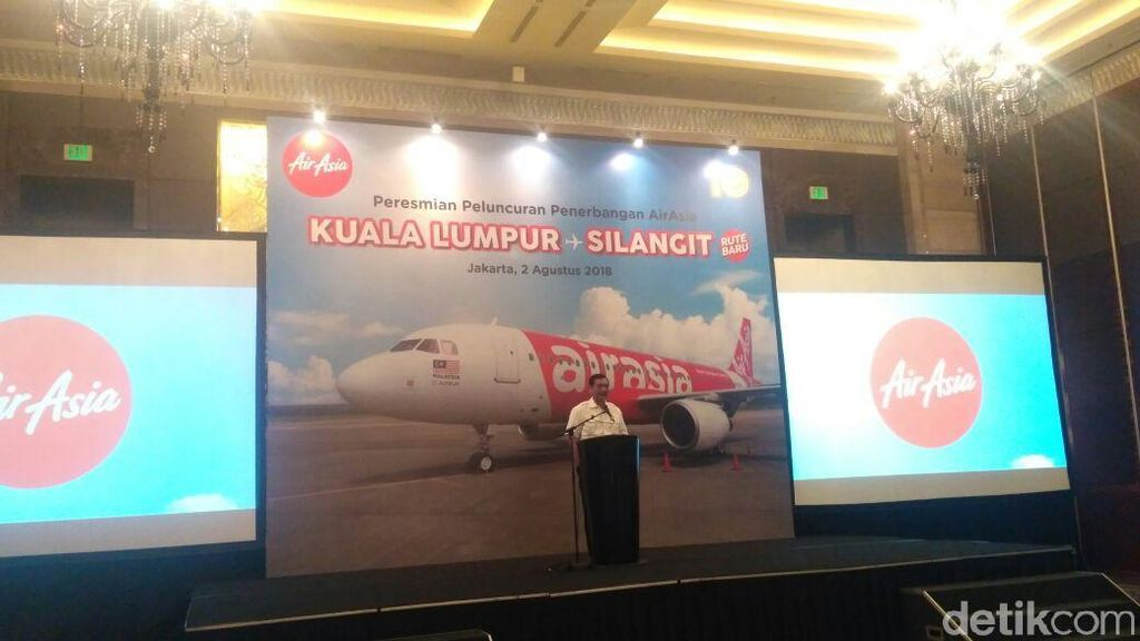 Luhut Hadiri Peresmian Rute AirAsia Kuala Lumpur-Silangit
