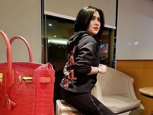 Syahrini Ulang Tahun, Wanita Ini Hadiahkan Tas Hermes Seharga Mobil