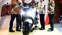 Menerawang Harga Honda Forza, Si Pesaing Yamaha Xmax
