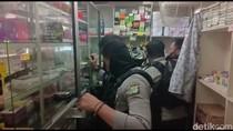 Polisi Sita Ratusan Butir Obat Keras di Pulogadung