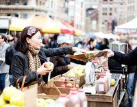 Dengan Uang Rp 1.4 Juta Berapa Banyak Makanan Bisa Dibeli di 7 Negara Dunia?