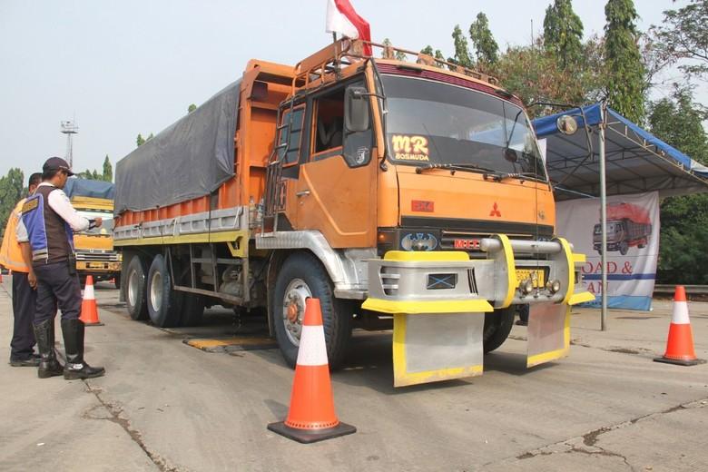 Penertiban truk obesitas. Foto: Dok. Jasa Marga