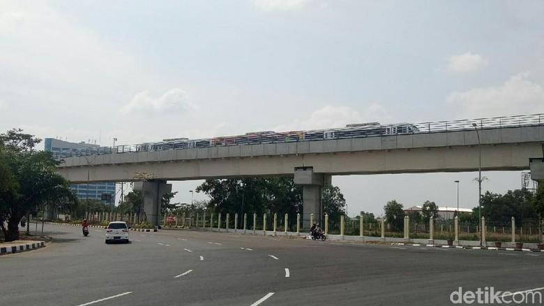 Warga Palembang Keluhkan Jadwal LRT yang Tak Tepat Waktu