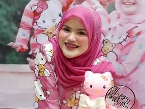 Cerita Hijabers yang Jual Baju Hello Kitty Seharga Rp 177 Juta