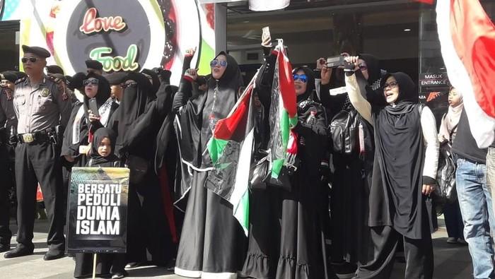 Aksi bela Palestina di Bandung. (Foto: ist.)