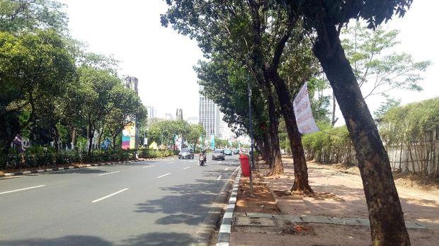 Jalan ASia Afrika, Senayan yang kerap jadi lapak sate taichan