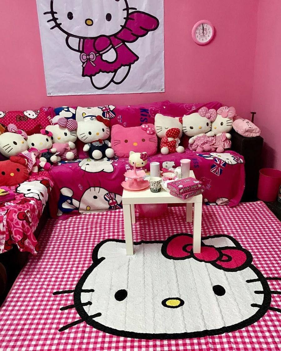 Gaya Hijabers Penggila Hello Kitty Sekali Belanja Habis Rp 10 Juta Foto 10 Pernak pernik kamar hello kitty