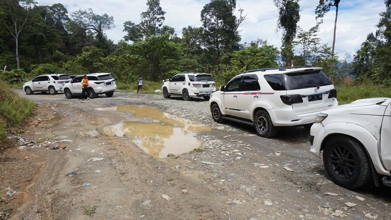 Fortuner jadi angkot di Papua (Foto: Mustiana Lestari/Detikcom)