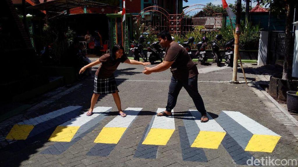 Kreatif! Ada Lukisan 3 Dimensi Jalanan Perumahan Sleman