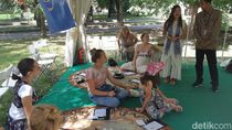 Saat Warga Moskow Belajar Membatik dengan Hati di Festival Indonesia