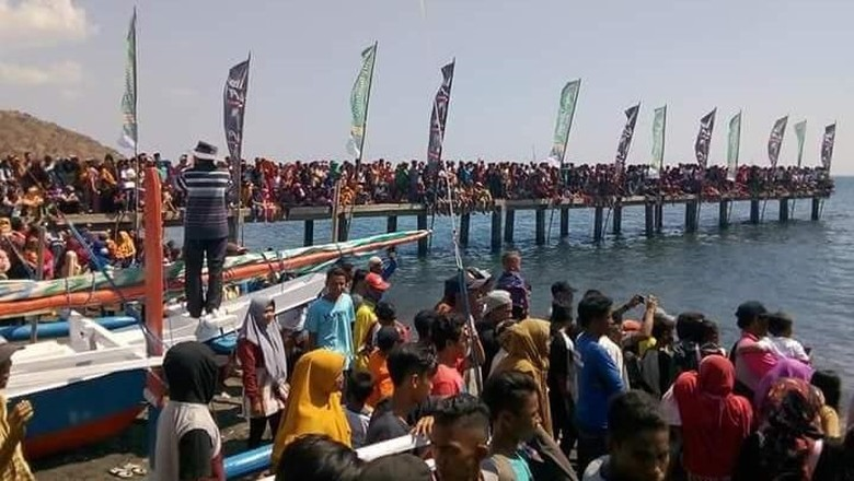 Kemeriahan Festival Sangiang Api di Bima, Sumbawa, NTB (Ayang Saifullah/istimewa)
