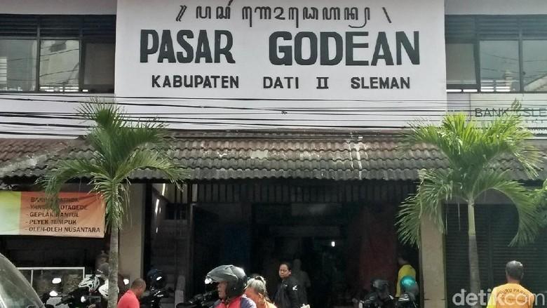 Hiii... Ada Makam di Pasar Godean Sleman