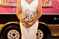 Unik! Pasangan Ini Hanya Sediakan Food Truck di Pesta Pernikahannya