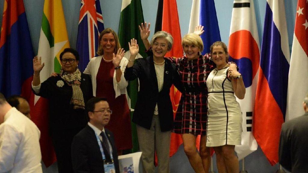 Cerita Menlu soal Keakraban Para Diplomat di Forum Internasional