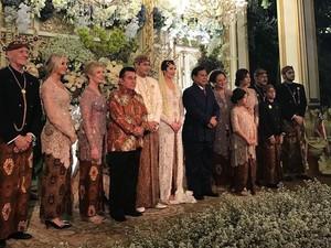 Seserahan Pernikahan Pandji Trihatmodjo dan Istri Bulenya Bernuansa Emas