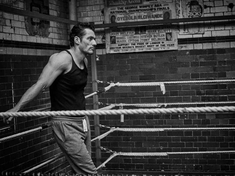 David Gandy menuturkan rahasianya kepada Telegraph. Aku pergi ke gym empat kali seminggu, lima atau enam kali jika aku dalam pelatihan untuk kampanye atau acara. Sesinya tidak panjang, paling lama 45 menit hingga satu jam, tetapi biasanya intensitasnya tinggi. (Foto: Instagram)