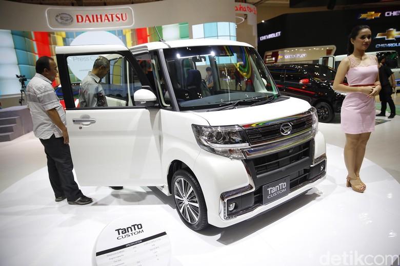 Daihatsu Tanto Custom di GIIAS 2018. Foto: Rachman