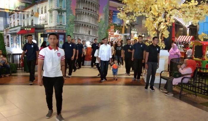 Presiden Jokowi saat tiba di Trans Studio Mini Transmart Bogor Yasmin.