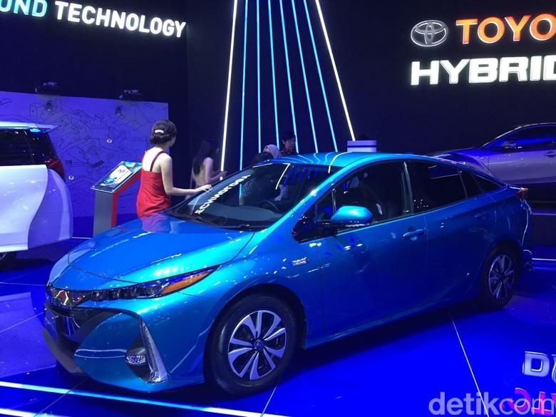 Toyota Prius PHEV Foto: Dadan Kuswaraharja