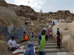 Jabal Rahmah, Bukti Cinta Adam-Hawa yang Telah Ternoda