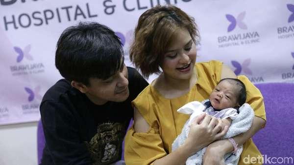 Selamat! Mytha Lestari Melahirkan Anak Pertama