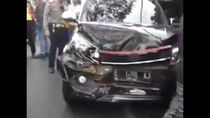 Diduga Rem Blong, Bus Tabrak Sejumlah Kendaraan di Batu