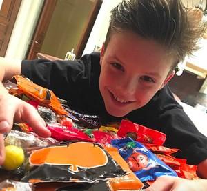 Bukti Cruz Beckham Doyan Banget Cokelat, Pizza hingga Big Mac!