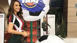 Nggak habis pikir ada yang mau mencampakkan wanita seksi seperti Yanet Garcia yang punya body goals. Begini gayanya kalau ia sedang olahraga.