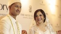 Tasya Kamila mengaku merinding saat membaca berita soal Lion Air JT 610 yang jatuh, karena pesawat tersebut hanya berbeda 10 menit take off nya dari pesawat yang digunakan sang suami.Asep/detikHOT