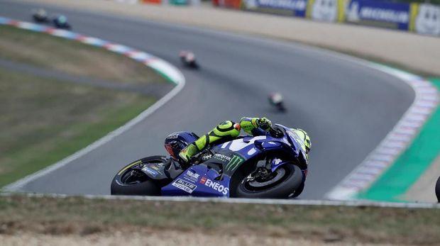 Valentino Rossi terpuruk di posisi ke-11 pada FP1 MotoGP Austria. (
